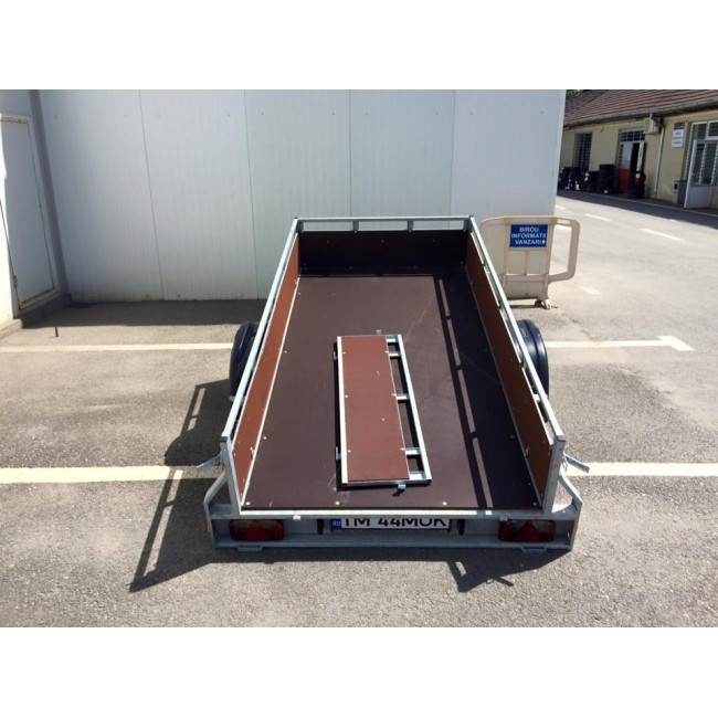 Inchiriez remorca auto 750kg  basculabila fara prelata 2,5 m lungime